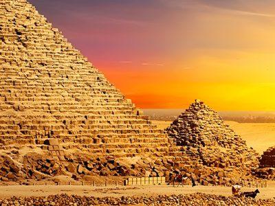 3515545786473-africa-egitto-piramidi-al-tramonto-testatavg-1.jpg