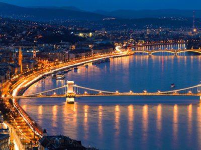 3515579347070-europa-ungheria-budapest-panoramica-notturna-testatavg.jpg