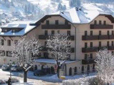Hotel Dolomiti 3*