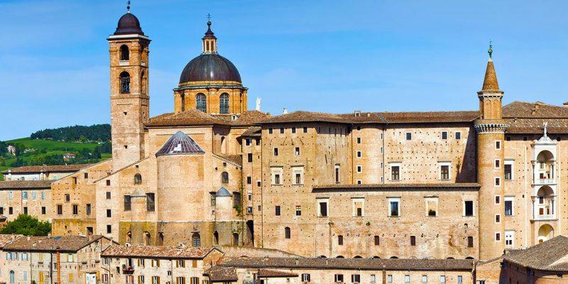 3515579613077-italia-urbino-panorama.jpg