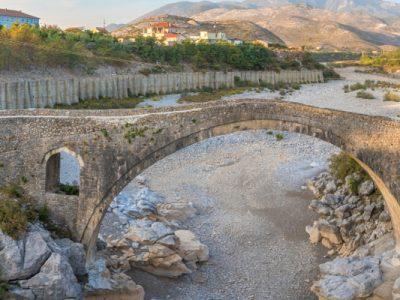 homewebwww.travel-friends.itvhoststestwp-contentuploads202002lbania-scutari-ponte-testatavg-3.jpg