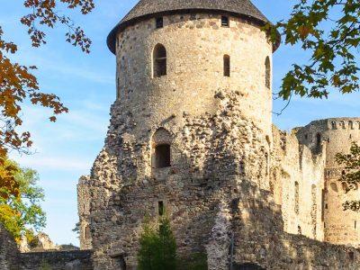 3515513359041-lettonia-riga-rovine-castello-1.jpg